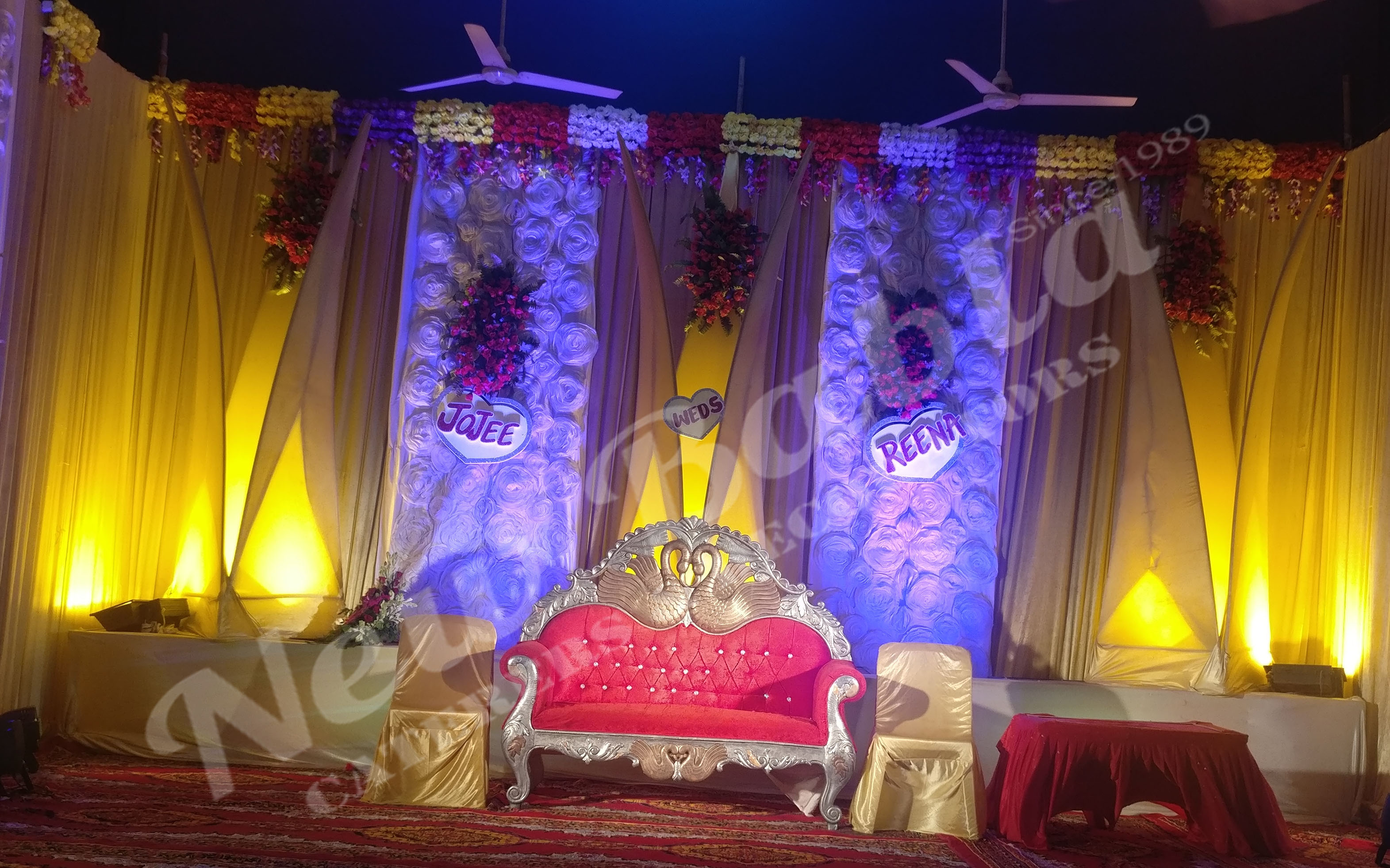 New babla caterers services with the support of our adroit team of professionals we are providing wedding decoration service to the clients at pocket friendly prices junglespirit Gallery